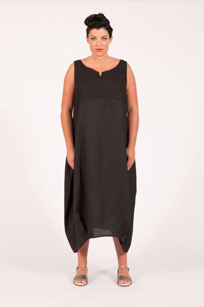 S16012 Eyelet Boat Dress Black