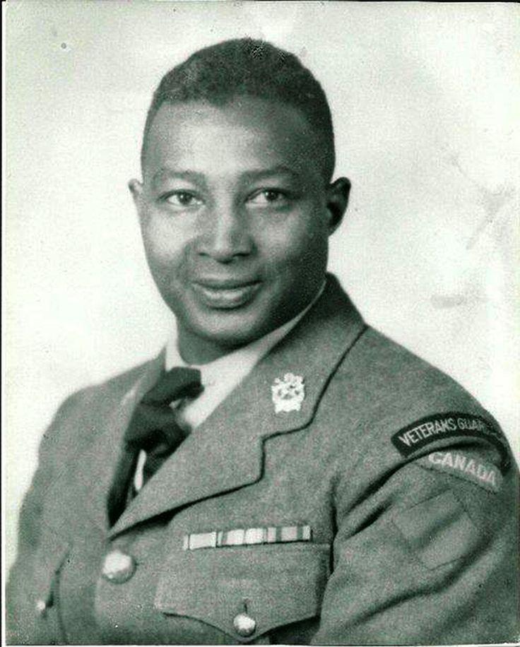 George Alexander Downey, le grand-père paternel de Robert Downey, a servi durant les Première et Deuxième Guerres mondiales. Le voici dans son uniforme de la Garde territoriale des anciens combattants. Photo gracieusement fournie par la famille Downey.