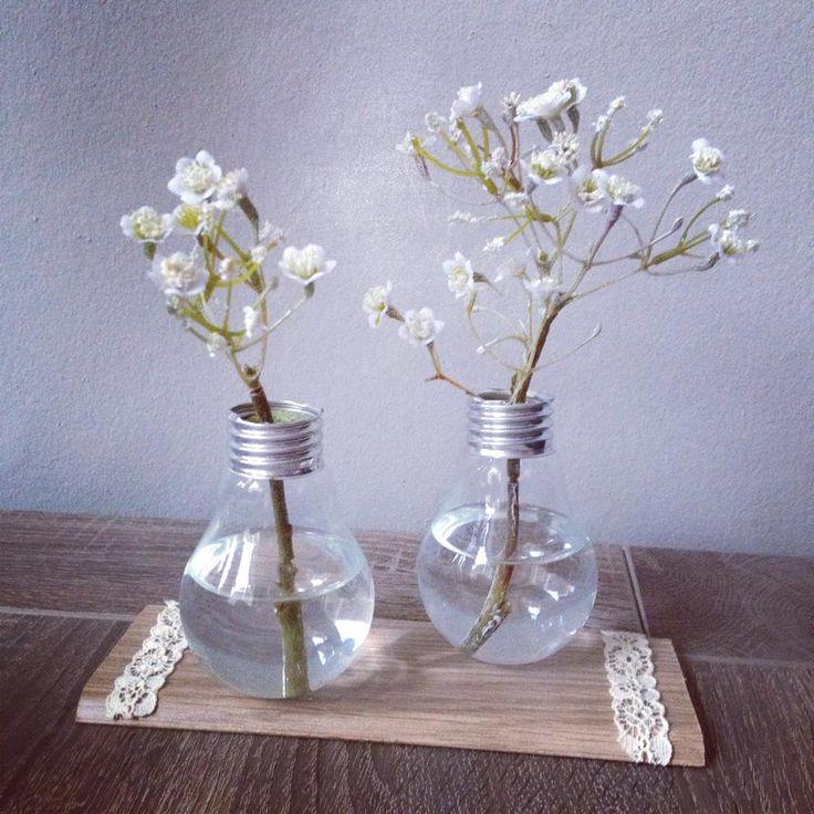 Vaasjes van lampen. Kan op ieder blad worden bevestigd met een lijmpistool