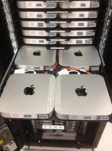 Хостинг Apple Mac OS серверов - стойка с компьютерами Mac Mini