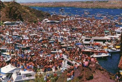 lake havasu houseboat memorial day