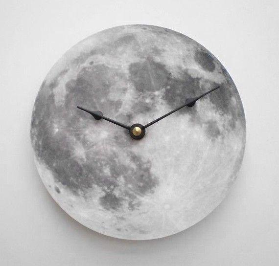 Horloge de lune d'argent par CyberMoon sur Etsy, $17.00