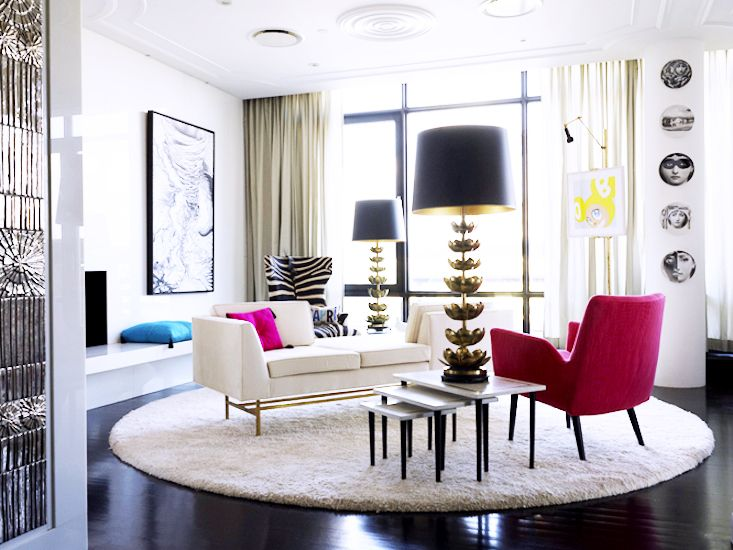 The 11 Greatest Lessons We Learned From Jonathan Adler // funky modern sitting room
