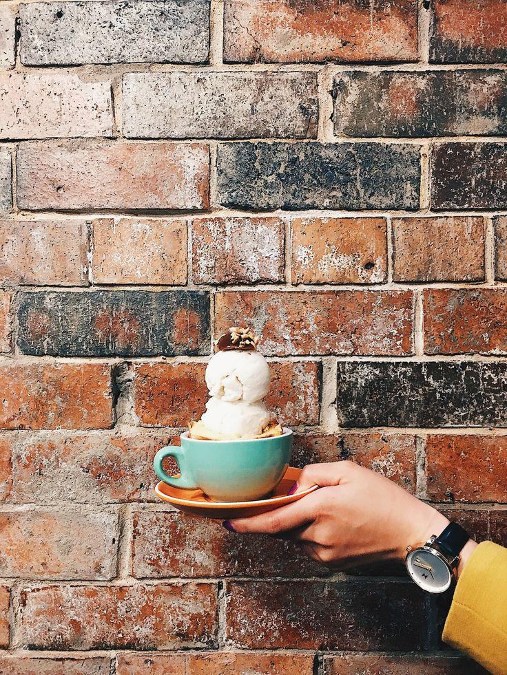 Ice cream in a bun in a mug 😍