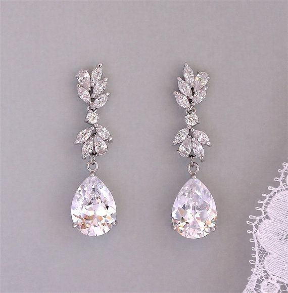 Hey, I found this really awesome Etsy listing at https://www.etsy.com/listing/265639860/bridal-earrings-crystal-drop-earrings