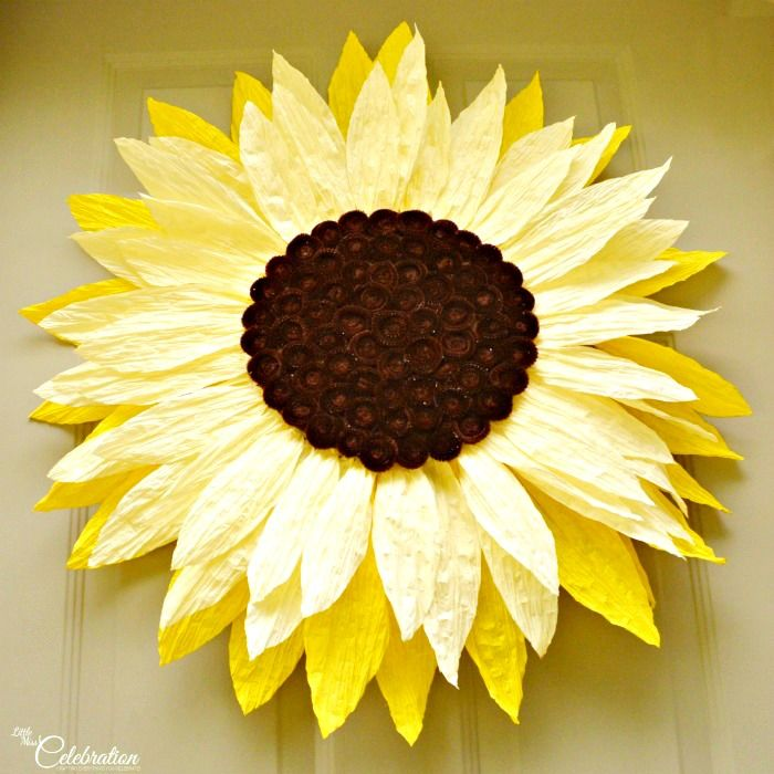It's fall, y'all!  Big Paper Twist Door Flower Take Two! Sunflower! A fun change from a wreath at Little Miss Celebration @iCindyEikenberg