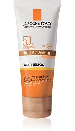Il blur levigante ottico Anthelios SPF 50 leviga le irregolarità e rende uniforme la pelle del viso proteggendola dai raggi solari.