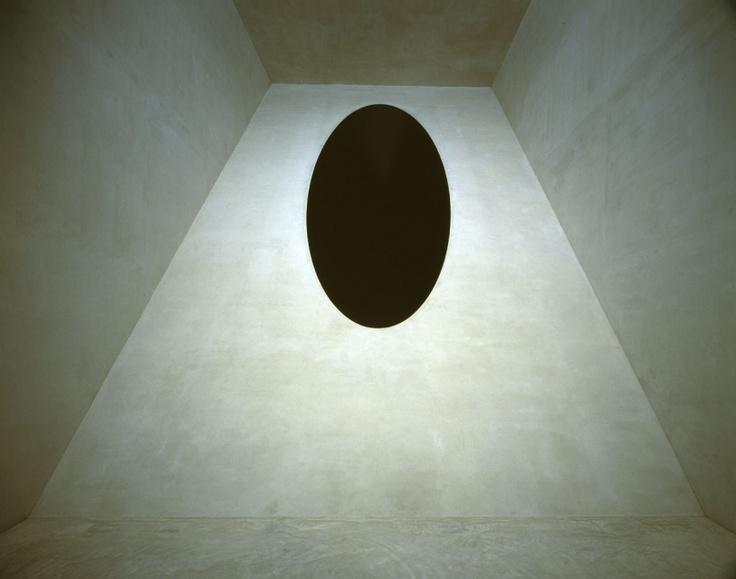 Anish Kapoor. #black #grey #gray #sculpture #sculptor #sculptors #contemporary #art #artist #shapes #geometry #geometric #oval #egg