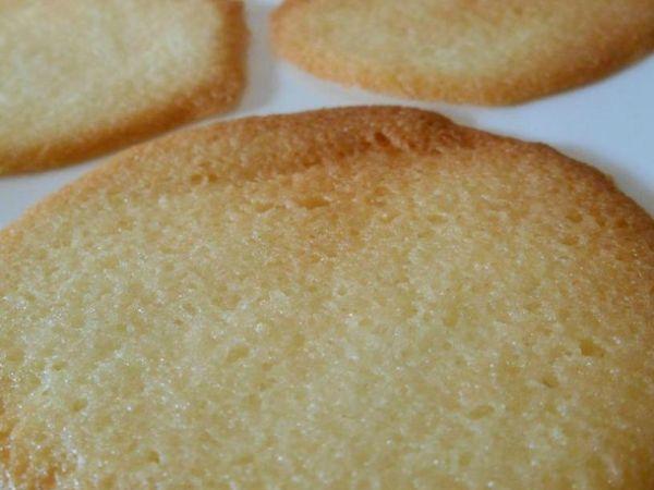 17 images about tuiles on pinterest florentine cookies cookies and mousse - Recette tuiles aux amandes masterchef ...
