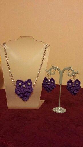 """Collana ed orecchini  """"gufetto"""" realizzati ad uncinetto  Si possono  avere in vari colori  Per info bpcreazioni@gmail.com"""