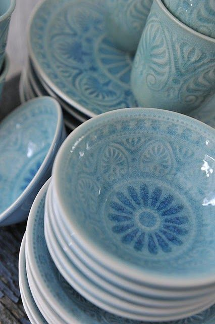 Such pretty dishes! I wish I could find the original source for these.