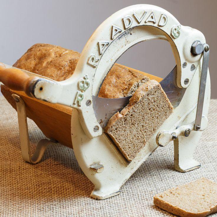 Seedless rye bread