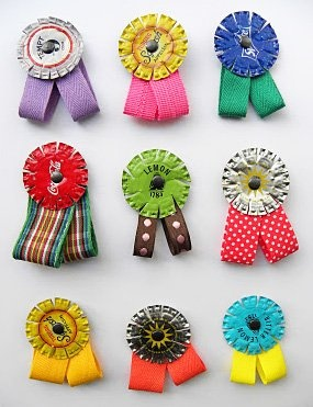 Make your own mini medals!