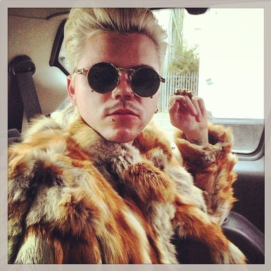 New Vince Pic: RT $£ millsie £$ @Eli Feig Mills @kiddulthood on route to the video #mygang #feelinfancy http://instagram.com/p/aWU36cON1w/