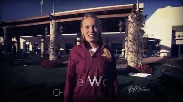 #tbt WTA finalist #Wozniacki doing a #bagcheck back in #2008 🎾🤗👏⠀ #etennisleague #bagcheckthursday #tennisvideo #carolinewozniacki #tennis #tennisbag #tennisracket