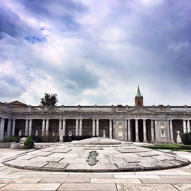 @silvia Dettagli della #Certosa di #Bologna (confesso, uno dei miei posti preferiti di Bologna) | #mybologna #twiperbole