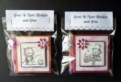 Smudge and Mitten Post It Note Holder
