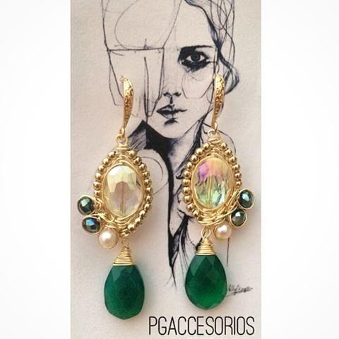 Handmade #pgaccesorios #chapadeoro #goldplated #accesorios #aretes #earrings #handmadearrings #handmade #handmadejewerly #hechoamano #joyeria #cristal #onixverde
