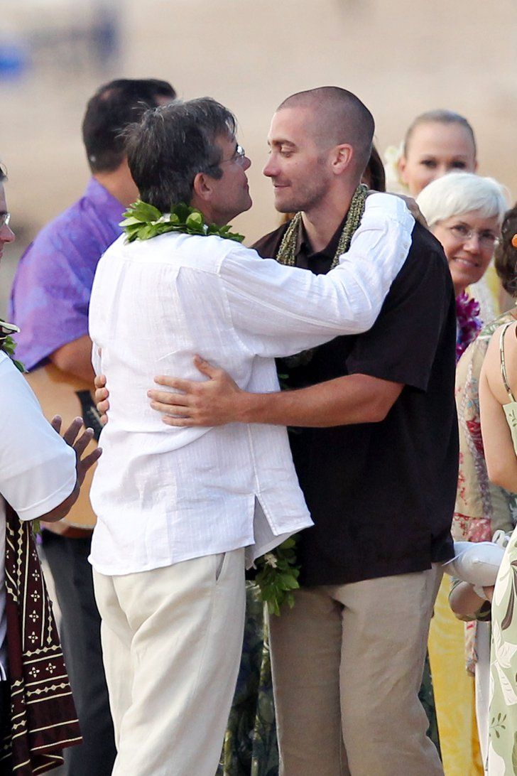 Pin for Later: Can You Spot All the Famous Wedding Guests?  Jake Gyllenhaal hugged his dad, Stephen Gyllenhaal, at his father's Hawaiian wedding in July 2011.