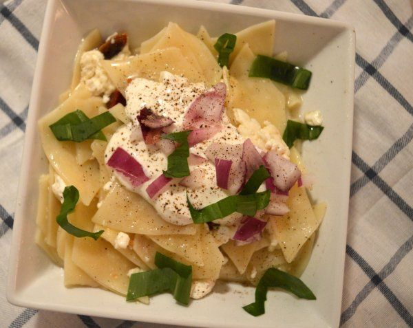 Túrós csusza/Hunagrian special pasta with bacon ricotta, and onions