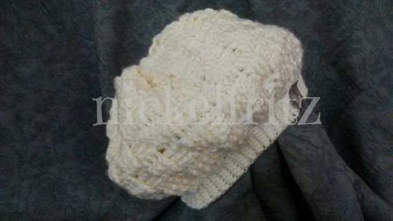 Check out this item in my Etsy shop https://www.etsy.com/listing/462348840/winter-white-ladies-hat-crochet-handmade