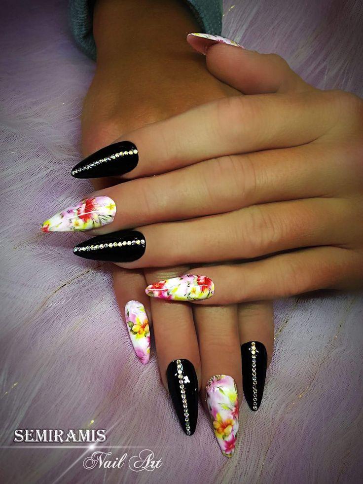 Black nails, tropic flowers, rhingestones