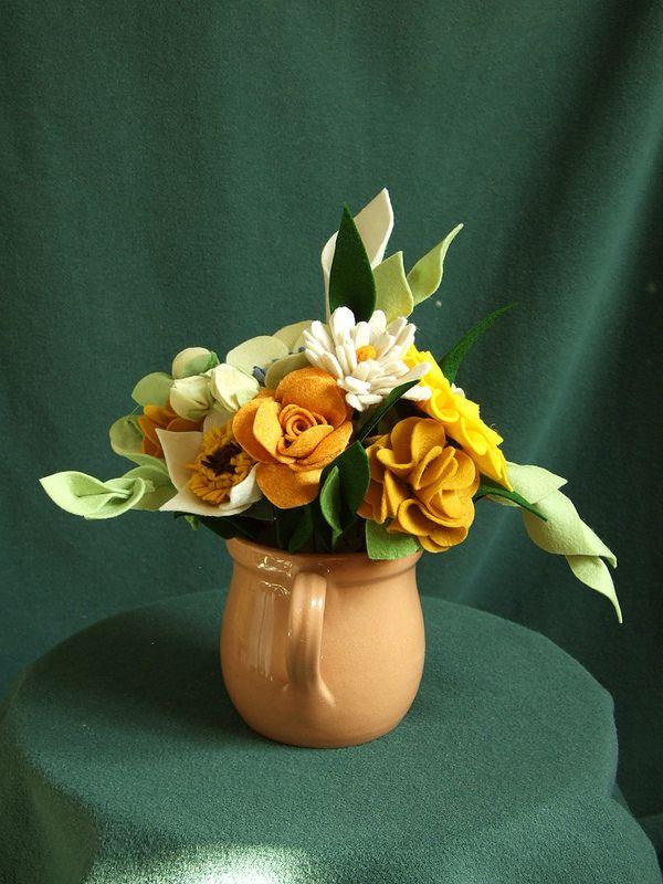 Felt flowers   by zöldsün