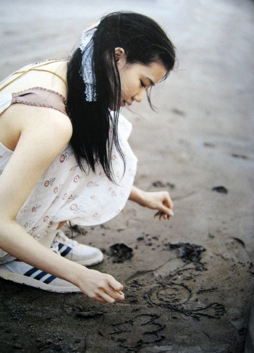 Yu Aoi on the beach
