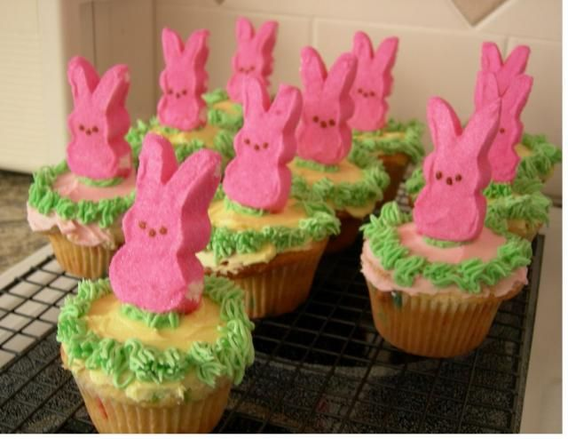 Easter Cupcake Decorating Ideas Pinterest : Bunny Cupcakes Easter Pinterest Lamb cake, Peeps and ...