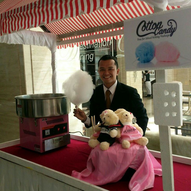 Get free cotton candy upon arrival - Available in June