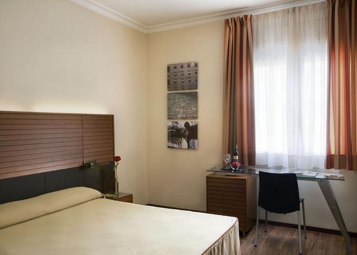 Oltre 25 fantastiche idee su camere d 39 albergo su pinterest for Camere albergo design
