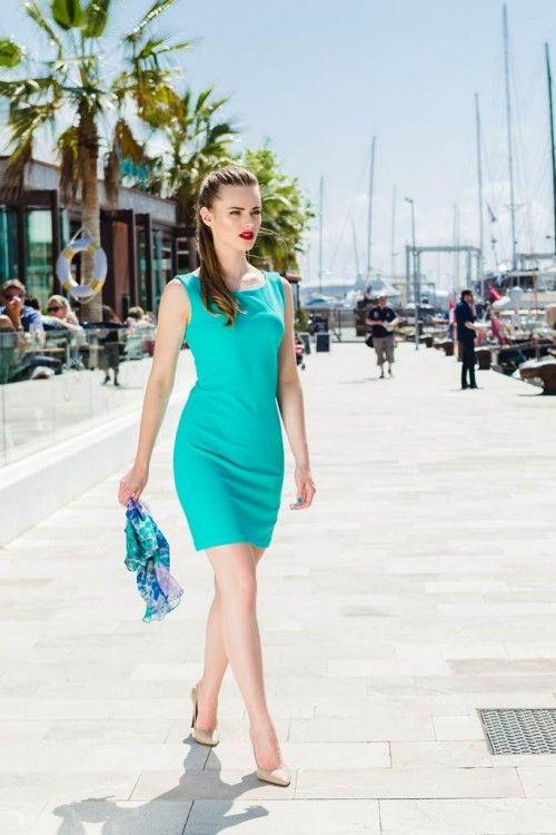 Rochie cambrata turcoaz Elizabeth: eleganta, extrem de feminina, mulata pe corp. Iti va pune in valoare atuurile.