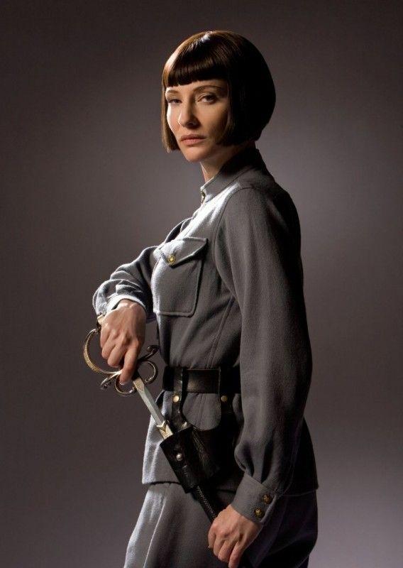 Cate Blanchett in una foto promozionale del film Indiana Jones e il regno del…