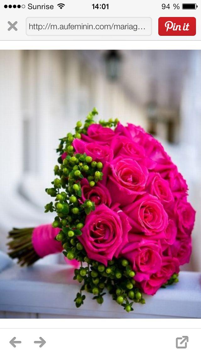 Bouquet mariée hiver avec touche de rose flash