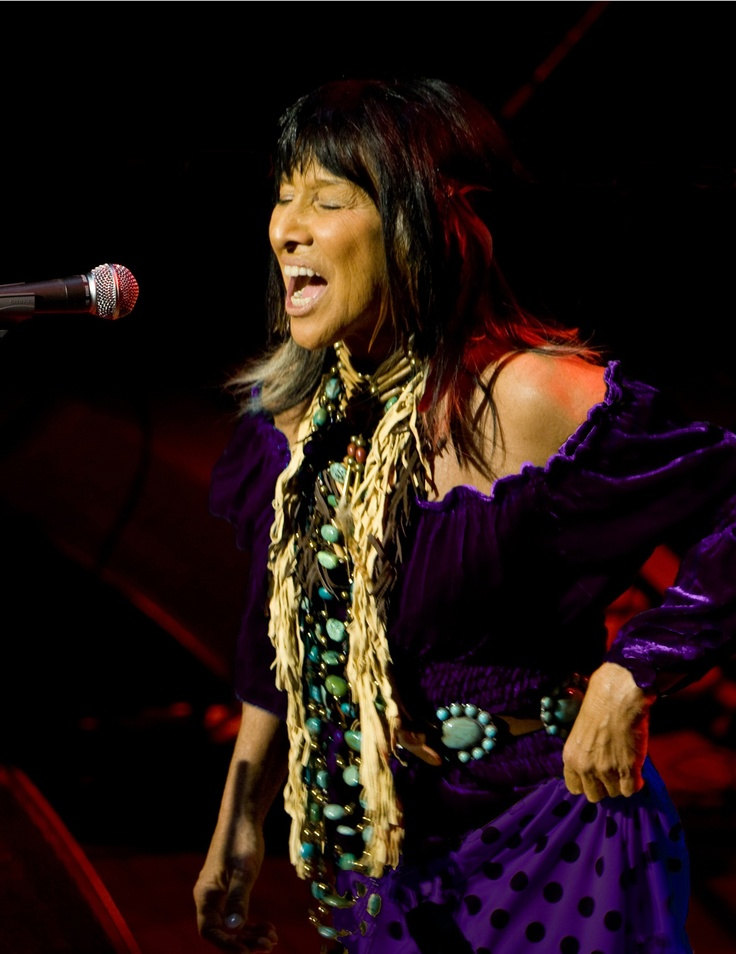 Buffy Sainte Marie in Marrika Nakk velvet.