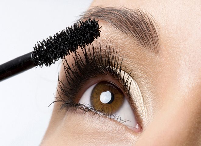 How To Apply Mascara Perfectly - Step by Step Picture Guide | BestStylo.com