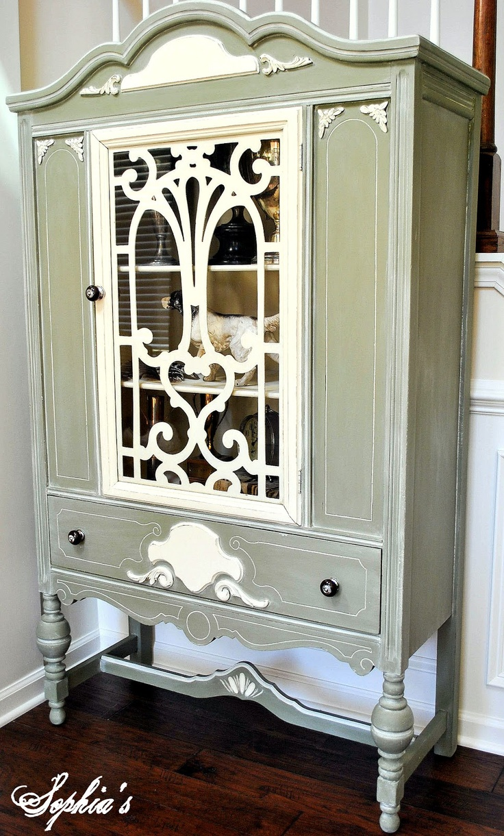 White Glazed Chateau Grey Cabinet Using Quot Chalk Paint