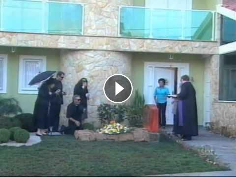 Funeral In Front Of People's Houses Prank #HomePranks  #funny #prank