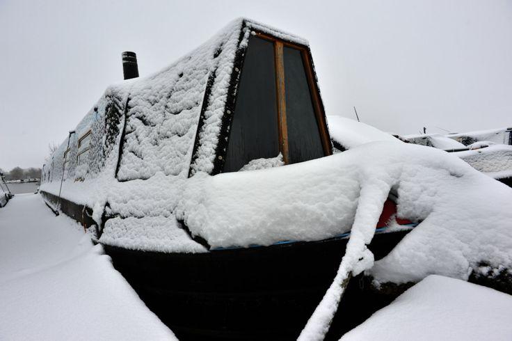 Winter in Meadows Marina www.calcuttboats.com