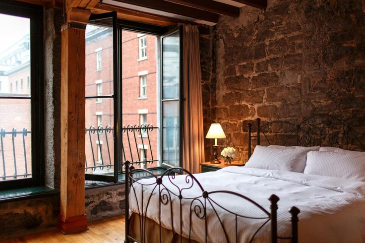 Book Auberge du Vieux-Port, Montreal on TripAdvisor: See 1,407 traveller reviews, 627 candid photos, and great deals for Auberge du Vieux-Port, ranked #8 of 163 hotels in Montreal and rated 4.5 of 5 at TripAdvisor.