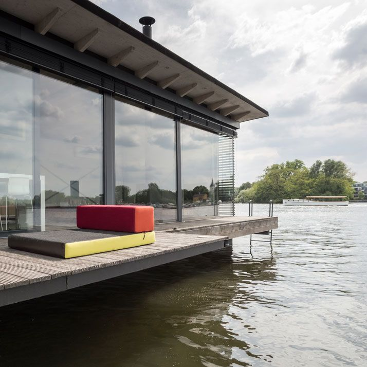 Modern Houseboat in Berlin / Welcome Beyond   AA13 – blog – Inspiration – Design – Architecture – Photographie – Art