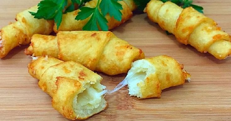 Zemiakové bagety so syrom. Pripravte si vynikajúce občerstvenie na večerné posedenie. – Báječne nápady