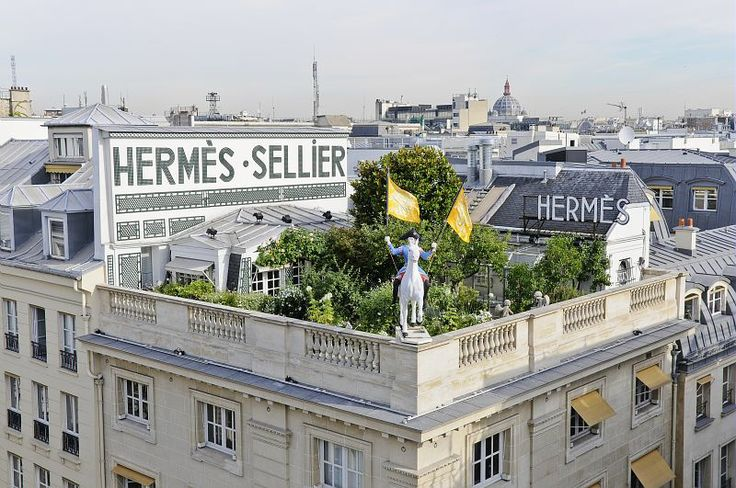 54 hours in Paris. Can't miss the Hermes Petit h studio. Un jardin sur le toit, Hermes 24 Faubourg Saint-Honoré, Paris.