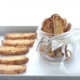 Biscotti pistacchi e albicocche. Condivisa da: http://www.latanadelconiglio.com