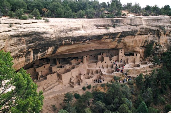 Ancient Indian cliff dwellings in Mesa Verde.