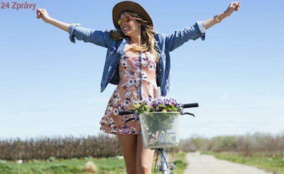 Je čas obléknout jarní šaty! Vybraly jsme 20 nejkrásnějších na běžné nošení
