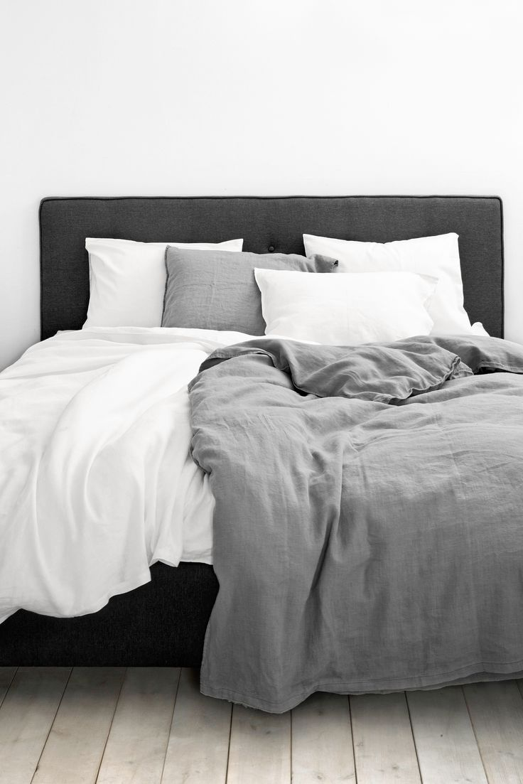 monochrome bed idea