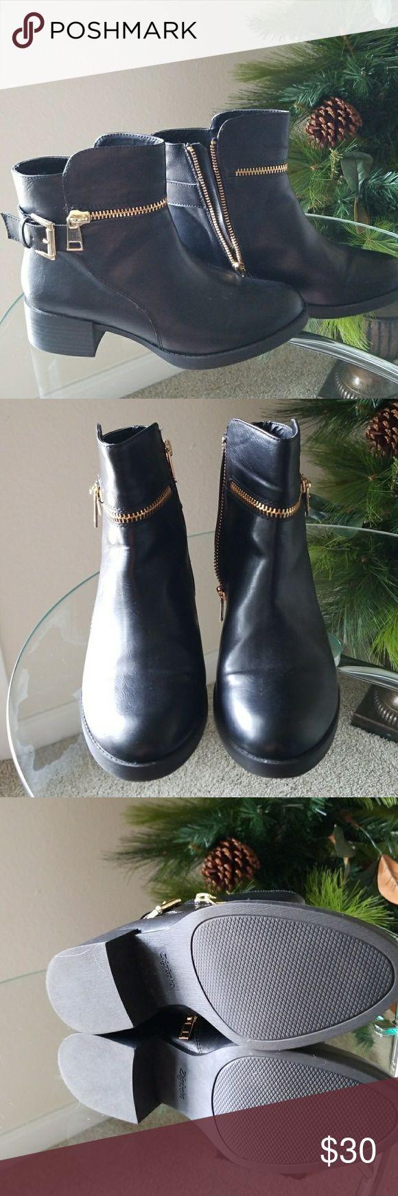 Moto boots NWOT - Super cool Moto boots never worn Zigi Soho Shoes Combat & Moto Boots