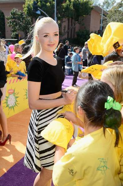 Peyton List Wonders Why There's a Middle Aged Man Asking For Her Autograph