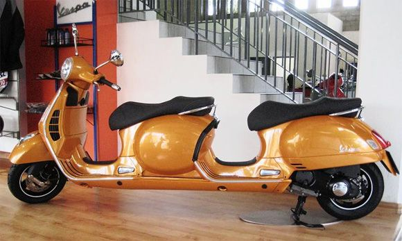 Vespa-built-a-four-seater-Stretch-Scooter.jpg (580×347)